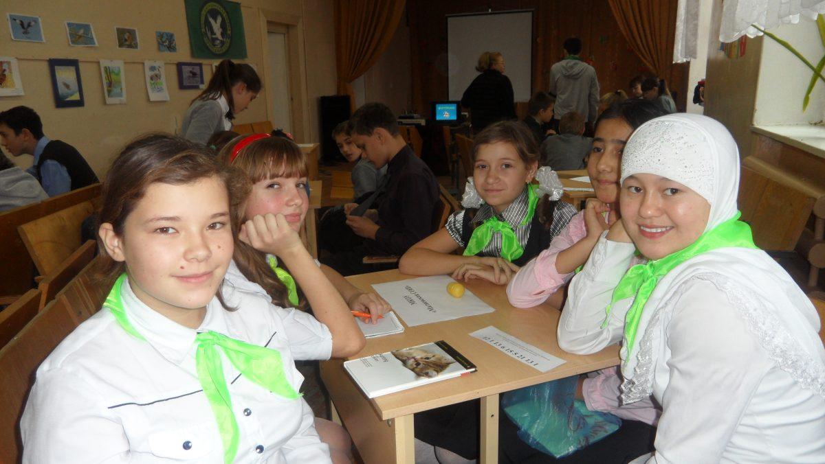 25 ноября школьный экологический отряд «Исток» принял участие в межрайонном празднике «День биоразнообразия».